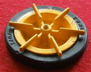 CORGI TOYS 802 - Original - Paddle - Wagon Rear Yellow Metal Wheel and Black Tyre