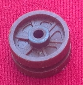 Dinky Toys 353 - Original - Shado 2 Mobile Brown Plastic Bogie Wheel