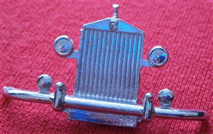 French Dinky Toys 551 Rolls Royce Silver Wraith grille unit