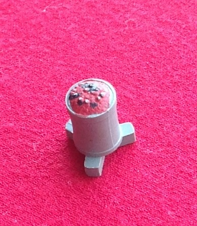 Dinky Toys 010 - Original - Road repair Grey plastic and Red Brazier (fire)
